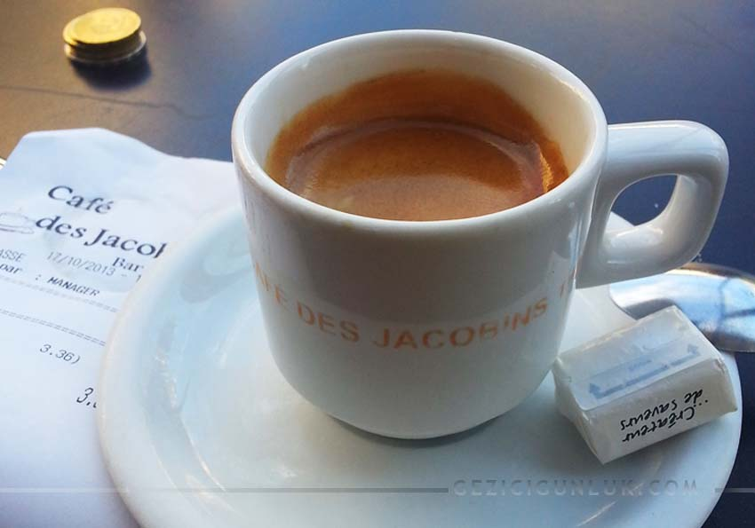 cafe_des_jacobins_lyon_place_belcour