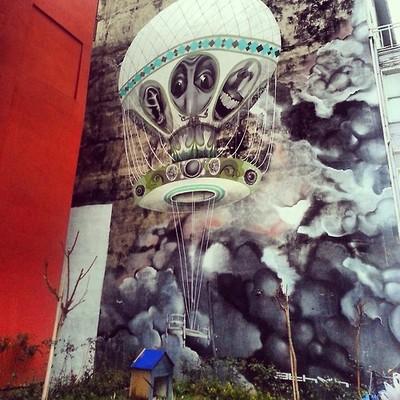 kadikoy_yeldegirmeni_graffiti_mural