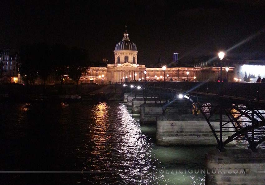 paris_gece_pont_des_arts