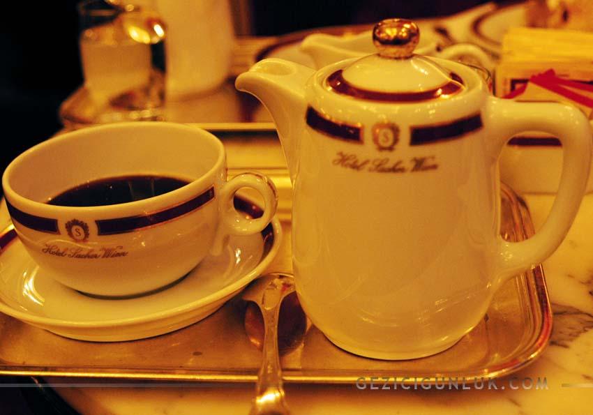 cafe_hotel_sacher_wien_viyana_notlari