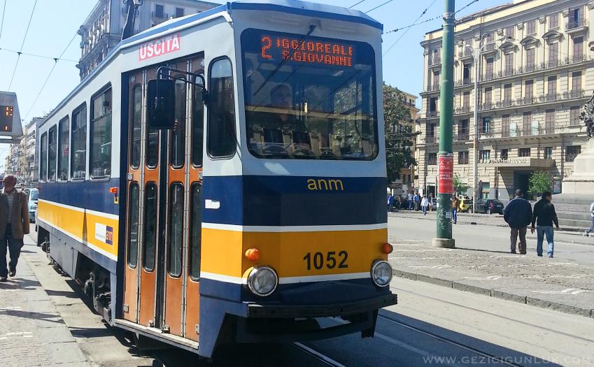 napoli_seyahat_notlari_tram