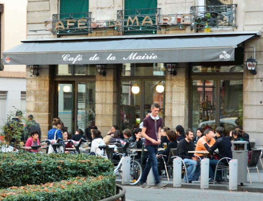 cafe_de_la_mairie_lyon_notlari_gezilecek_yerler