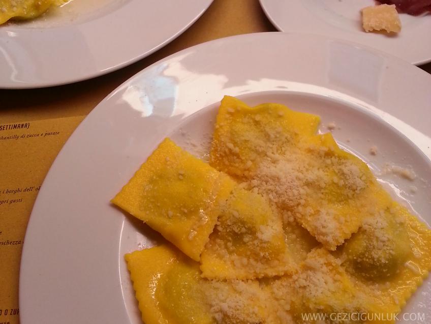 totrelli_erbette_della_tradizioni_degusteria_romani_parma_notlari