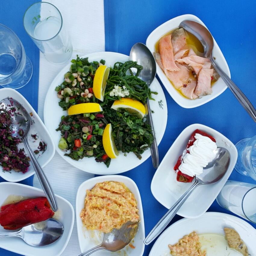 burgazada_ne_yenir_fincan_restoran_vedat_milor.jpeg