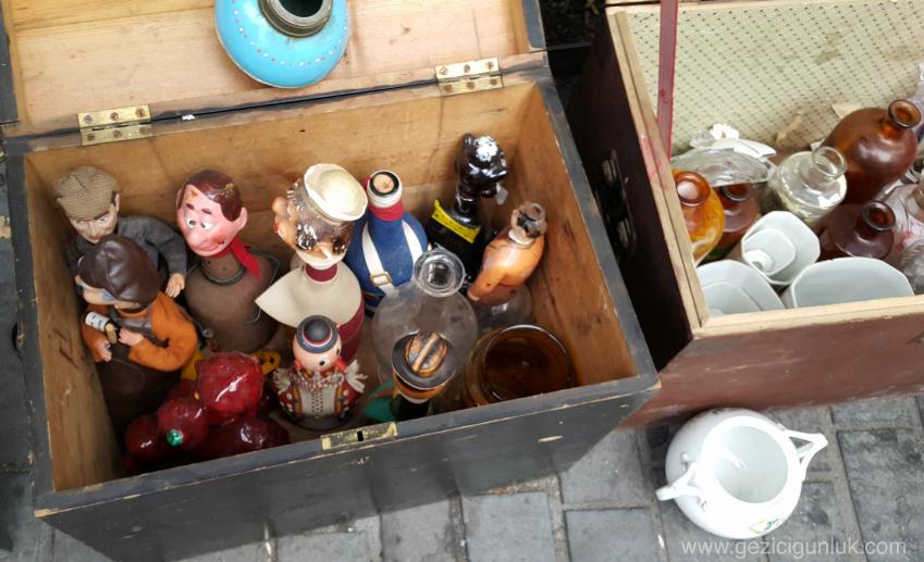 bordeaux_saint_michel_flea_market_bit_pazari