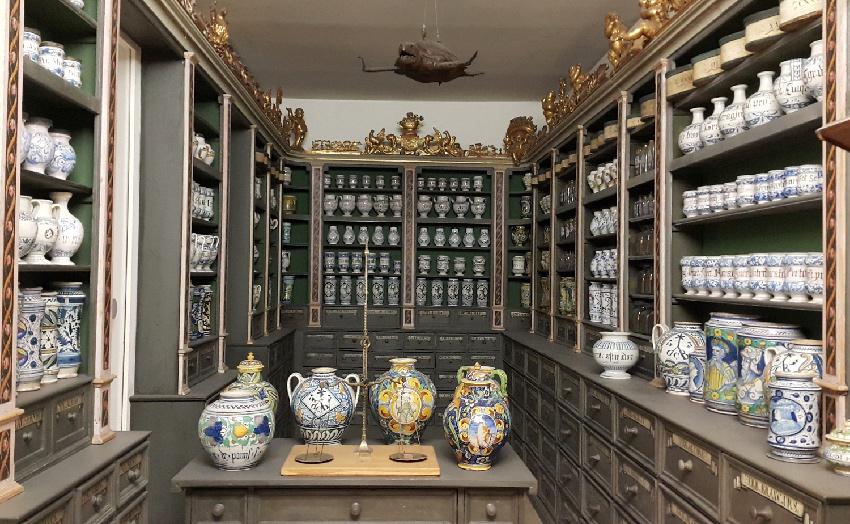 hirsch_apotheke_nurnberg_national_museum_nurnberg_notlari