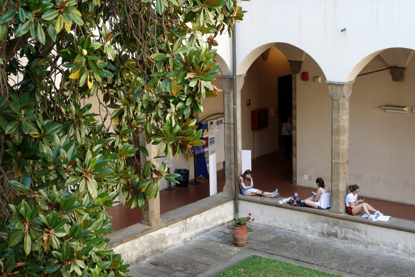 biblioteca_delle_oblate_firenze_floransa_rehberi